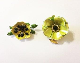 Set of 2: Vintage Flower Brooch Pins