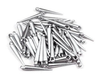 50 pcs Silver Spike Pendants, 22 x 4 mm, medium size, silver plated acrylic silvertone, spike charms, spike spacer beads, spear charms