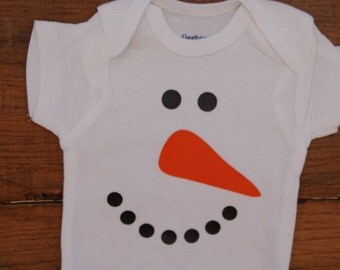 White Cotton Bodysuit with snowman applique, Bodysuit with Snowman Face, Cuddly one piece outfit fun for winter, Snowman Top, Carrot Top