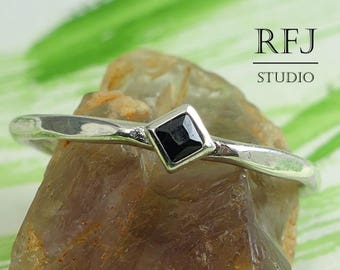Kite Lab Black Diamond Faceted Silver Ring, Princess Cut 2x2 mm Square Black CZ Ring Black Stone Rhombus Setting Ring Stacking Promise Ring