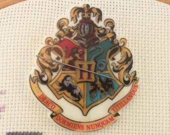 Hogwarts Crest Needleminder / Hogwarts Needleminder / Harry Potter Needleminder / Crest Needleminder / Griffindor Needleminder