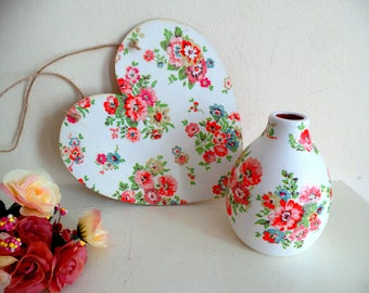 Cath Kidston gift- set of heart decoration and vase