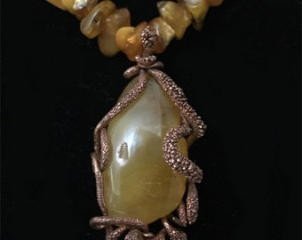Baltic amber pendant and necklace
