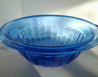 Hazel Atlas cobalt blue ribbed mixing bowl
