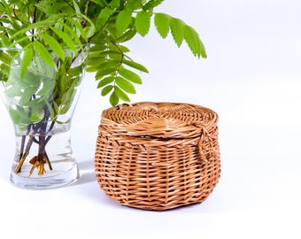Wicker jewelry box / Woven basket / Lidded wicker basket / Jewelry basket with lid / Wicker rustic basket / Wicker box / Round wicker box