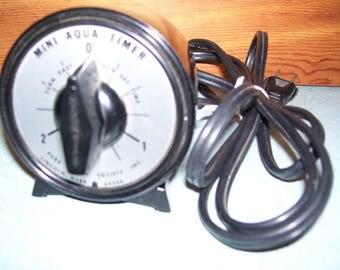 Vintage M. H. Rhodes Mini Aqua Timer