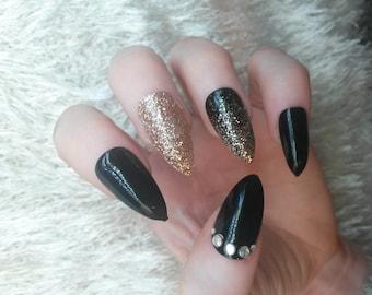 Black Gold Glitter Stiletto Nails