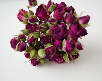 Bouquet of dried roses, natural materials, floral, home decor, home decoration