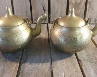 Vintage Brass Teapots/Old Brass Kettles/Brass Coffee Pot/Etched Brass Teapots/Metal Teapots/Old Metal Pot/Teapots/Vintage Pots/Brass/Vintage
