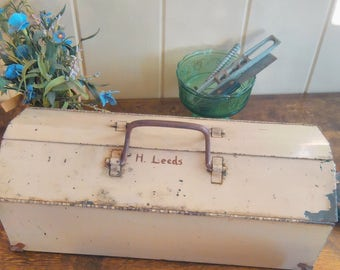 Vintage Tool box/Metal Tool Box/Old Tool Box/Vintage Boxes/Metal Box/Flower Planter/Toolbox Vintage/ToolBox Metal/Old Metal Boxes/Toolbox