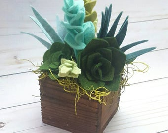 Felt succulent arrangement in a wood planter box, succulent arrangement, felt succulent garden, felt succulent decor