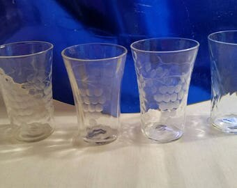 4 Vintage juice/shot/cordial glasses 3 with etched grape motif and 1 with diamond