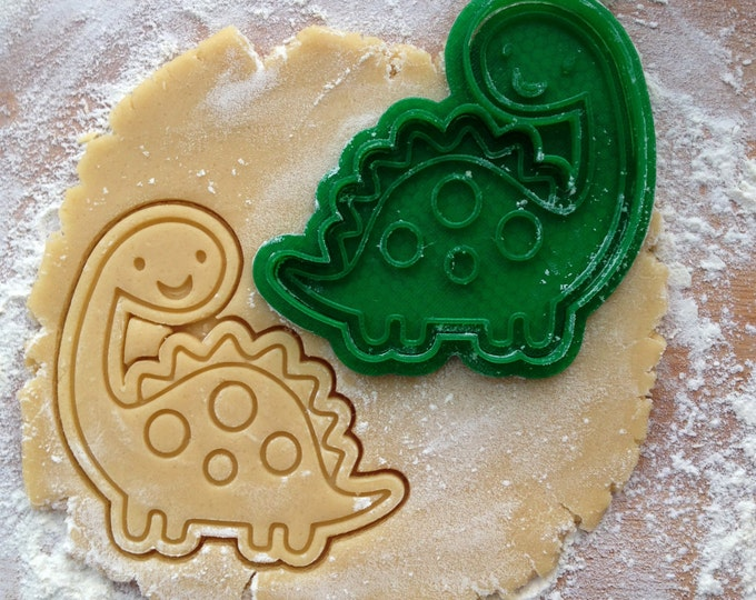 Brontosaurus cookie cutter. Dinosaur cookie stamp. Animal cookies