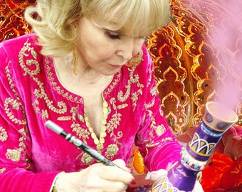 I Dream of Jeannie Signed bottle by Barbara Eden herself comes with COA!