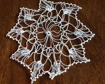 Vintage hand crocheted doily-delicate-design-white-antique