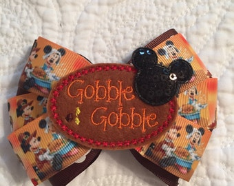 A Mousy Thanksgiving Bow