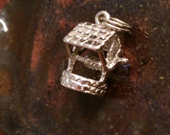 Vintage sterling water well wishing well charm pendant