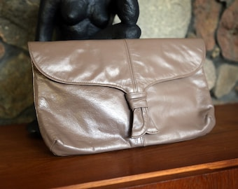Vintage Taupe/Brown 80s Leather Clutch Purse with Tassel Detail