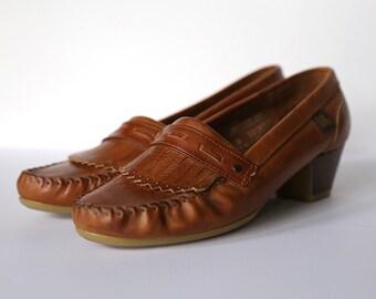 Vintage Soft Spots Cream Puffs Sz 7W Rich Brown Kiltie Fringe Leather Heeled 80s Loafers
