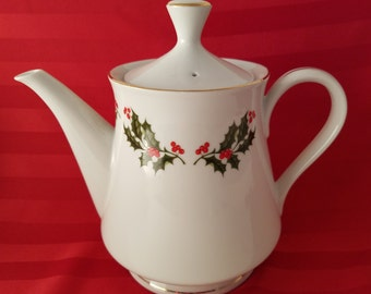Christmas Holly Berries Fine China Porcelain TeaPot Coffee Pot Gold Trim