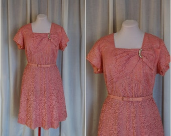 "Dentelle Rose Dress / Vintage 1950s Lace Dress / Kerrybrooke / Sears Roebuck and Co / Volup / Plus Size / XXL / 49"" Bust"
