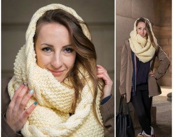 Chunky Knit Infinity Scarf, Large Loop Scarf, Off-White Chunky Shawl, Oversized Scarf,  Hooded Scarf, Winter Shawl, Unisex Scarf, Knit Scarf
