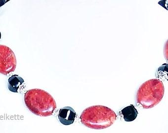 Gemstone jewelry red & Black necklace chain gemstone necklace red Coral Black Onyx beads opulent versatile elegant chic