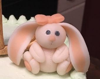 Bunny fondant cake topper