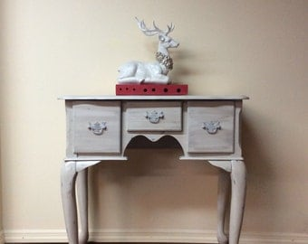 SOLD !!Shabby Chic Small Vanity/ Entryway Table