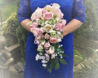 Pastel rose bouquet,Soft pink bouquet,Ivory and pink roses,vintage style bouquet,pastel bridal bouquet,mixed rose bouquet, large teardrop