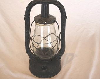 Vintage Dietz Monarch Kerosene Lantern