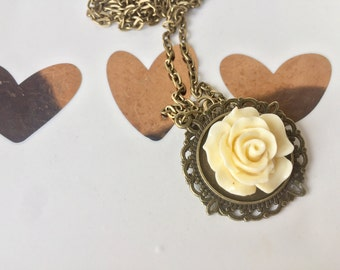 Rose Pendant Necklace, Ivory Jewelry, Bridal Jewelry,Rose Necklace,White Flower Necklace, Antique Brass Chain, Gift for her, gift for mom