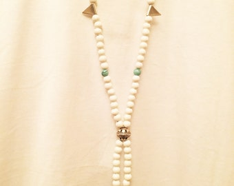 White wooden necklace!!!