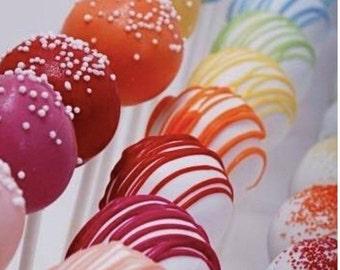 Strawberry Cake Pops (20 Pops)