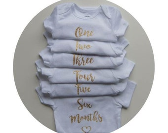 Monthly Onesie Milestones Set | Set of 12