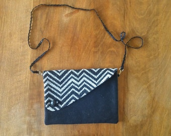 clutch bag wool cotton convertible black & white zig zag pattern unique design retro class