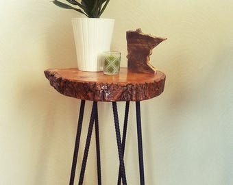 HAIRPIN TABLE.  wood accent table with metal legs