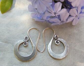 Silver earrings. Ethnic earrings. Ethnic Jewelry. Karen Hill Tribe Jewelry. Silver earrings. Silver jewelry. Ethnic jewelry.