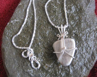 agate wire wrapped pendant necklace lapidary