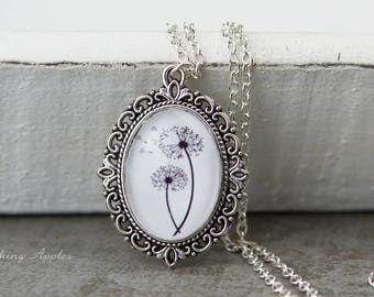 Necklace flower / / good luck charm, minmalistisch