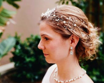 Stunning Hair Vine with Pearls. Embellished Bridal Headpiece silver with white Pearls.