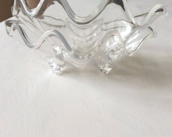 Acrylic clam shell (2)
