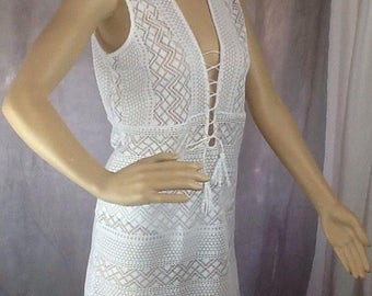 White stretch crochet lace beach coverup dress size 14/16