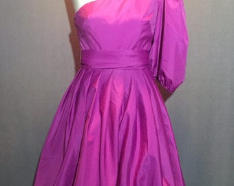 Vintage ILGWU Made 1 Sleeve Bubble Dress