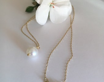 Single pearl necklace in 14k yellow gold