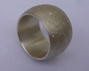 Silver diamond hammered and selectively