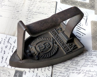 Former french Constable french Vintage cast iron cast iron antique French weight hold door decorating shabby wedge book
