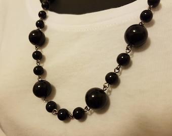 70s 80s 90s Retro Black Bead Necklace