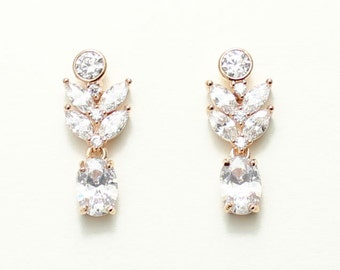 Flower Crystal bridal earrings, leaf drop earrings, bridesmaids, Mother of the bride gift, Mother of the groom earrings, Wedding Jewelry