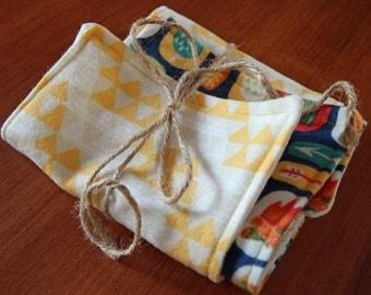 Set of 2 burp cloths
